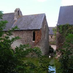 Chapelle Saint-Eutrope vue des jardins.