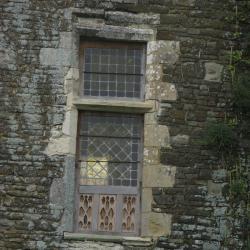 Fenêtre de la partie XVième, façade postérieure.